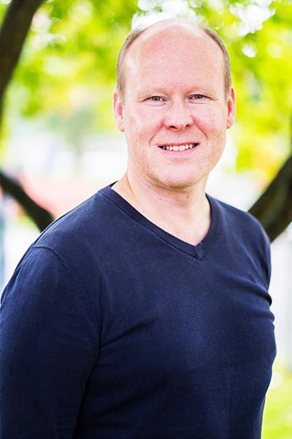 Kari Hyvärinen : Toiminnanjohtaja